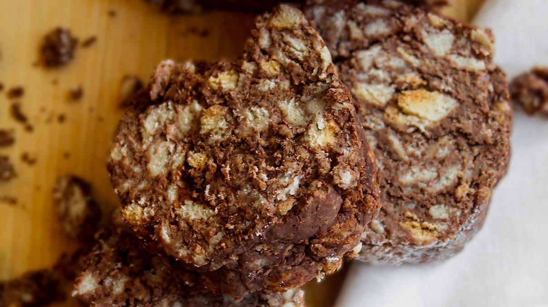 Salame di cioccolato senza zucchero e burro