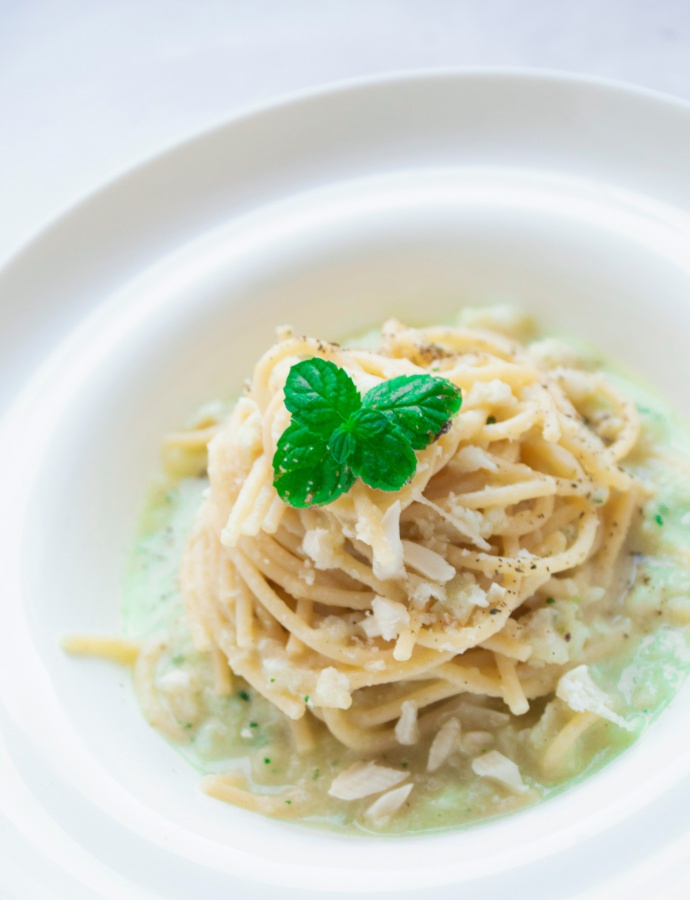 Spaghetti con pesto di zucchine e nasello
