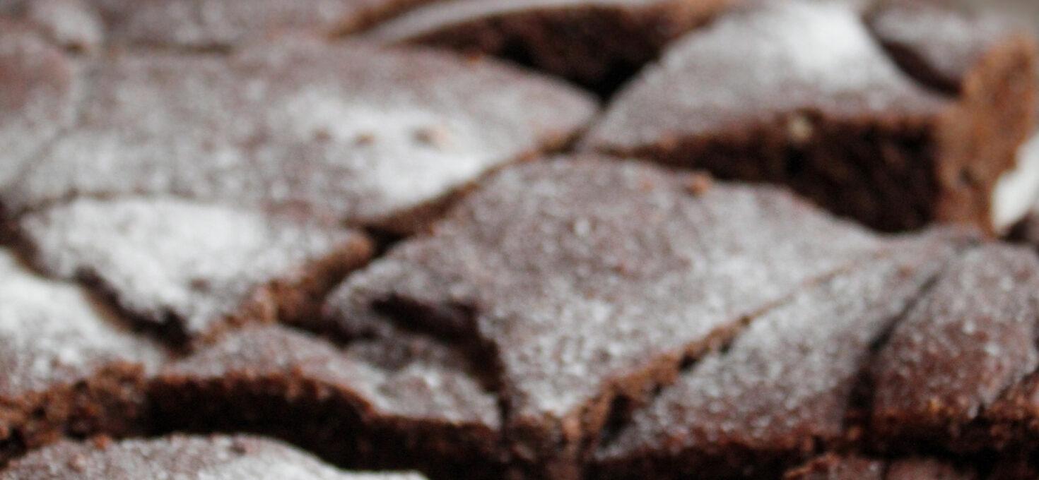 Torta ai cachi e cioccolato